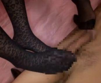 パンスト店員に淫語で責められながらM性感エステで足コキのサンプル画像3