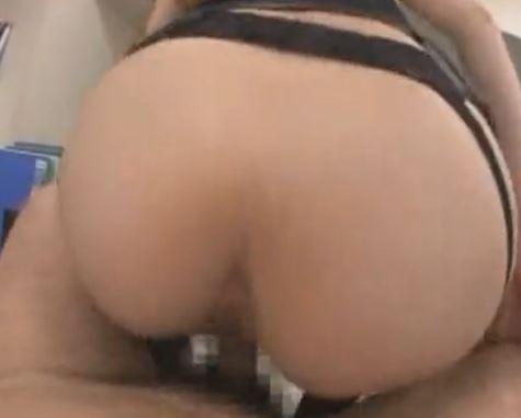 ハイソックスJKの一ノ瀬アメリが童貞チ●ポを脚コキのサンプル画像4