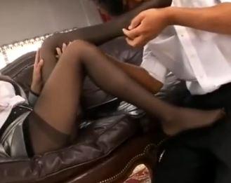 長身美脚の三上香里菜が黒パンスト脚コキや着衣SEXのサンプル画像2