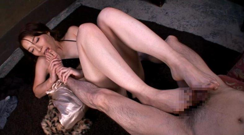 長身美女の接吻、フェラチオ、腰振りSEX 仲丘たまきのサンプル画像4