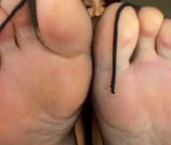 痴女ギャルが蒸れた黒パンストで足射するまで脚コキのサンプル足フェチDVD画像2
