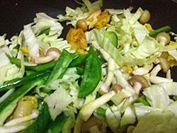IMG_3146野菜いためるP4横250