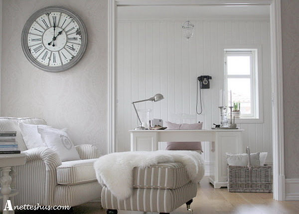 Beautiful-White-Room-with-Paris-Style-Vintage-Wall-Clock.jpg