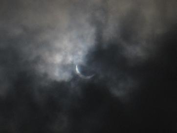 日食 1042