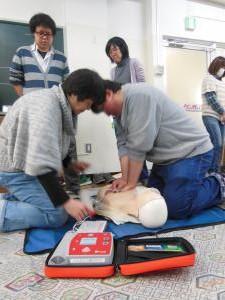 心肺蘇生に加えてAED訓練も行いました