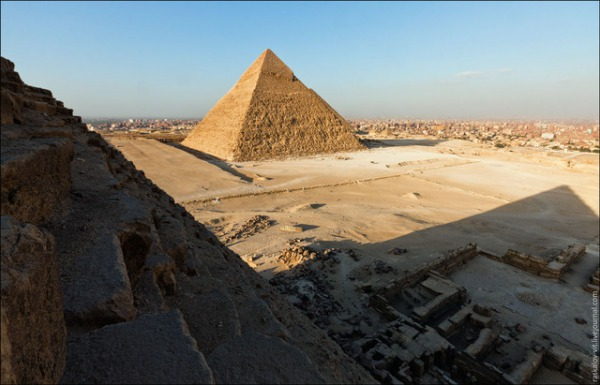 20130328-11231919-pyramid5.jpg