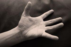 491275_hand.jpg