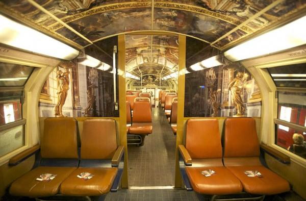 ShockBlast-parisian-rer-train-transformed-like-versailles-2.jpg