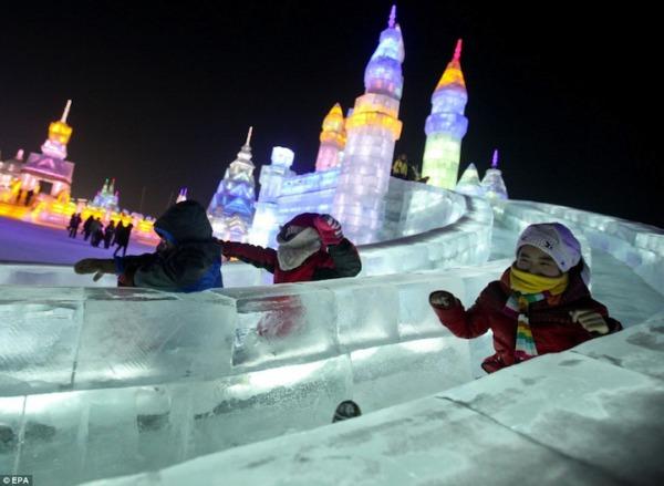 iceslides02.jpg