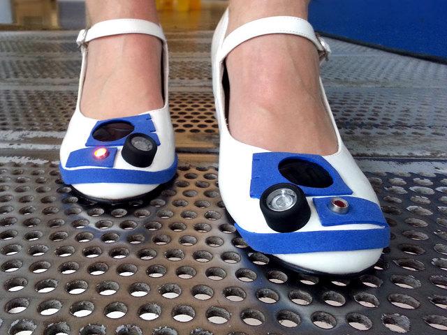 r2-d2-heels-2-3.jpg