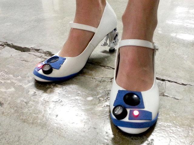 r2-d2-heels-2.jpg
