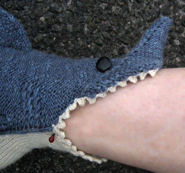 shark-socks-5.jpg