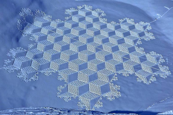 snow-drawings-simon-beck-6.jpg