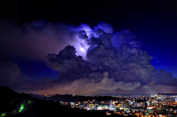 thunder1001.jpg