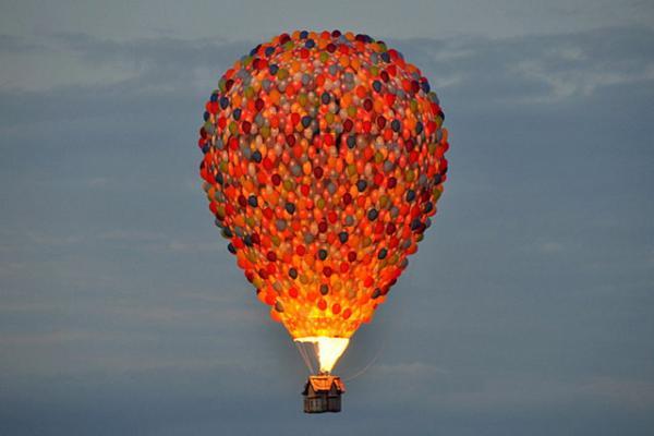 up-hot-air-balloon-4.jpg