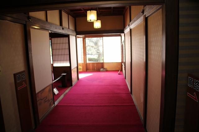 1階南側廊下