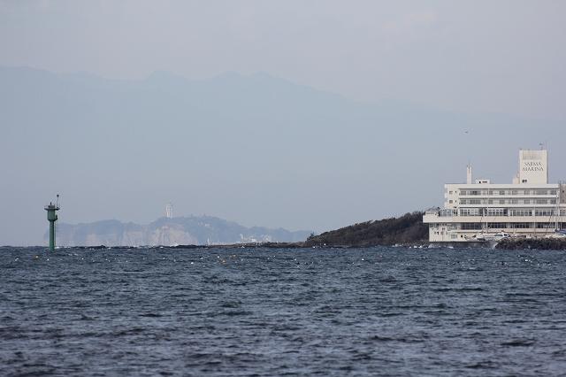 遠く江ノ島を望む_3