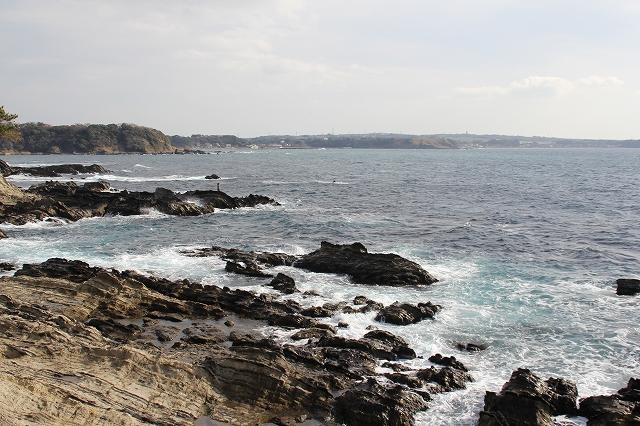 潮騒の丘の下の岩礁_10