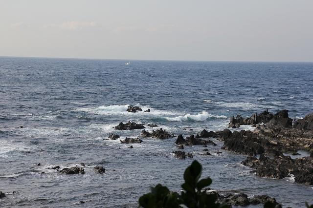 潮騒の丘の下の岩礁_12