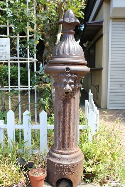 獅子頭の共同水栓