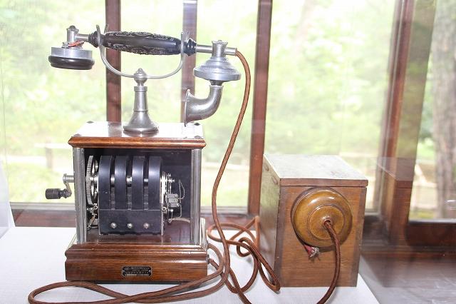 本館(管理棟)に展示されていた昔の電話