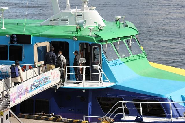 伊豆七島へ向かう東海汽船の『虹』_3