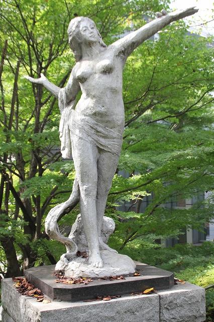平和の女神像_2