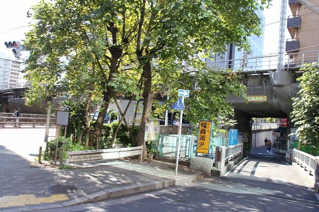 川の流れが見える渋谷川_5