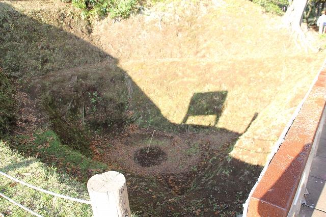 本丸堀の巨大な穴_2