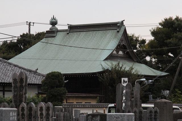 地蔵堂とその前の門_3
