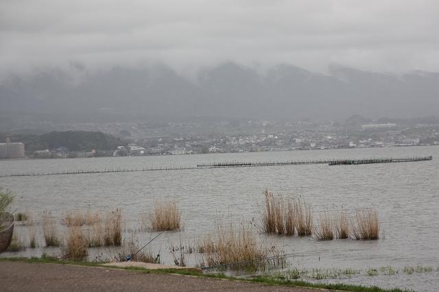 対岸の比叡山方面