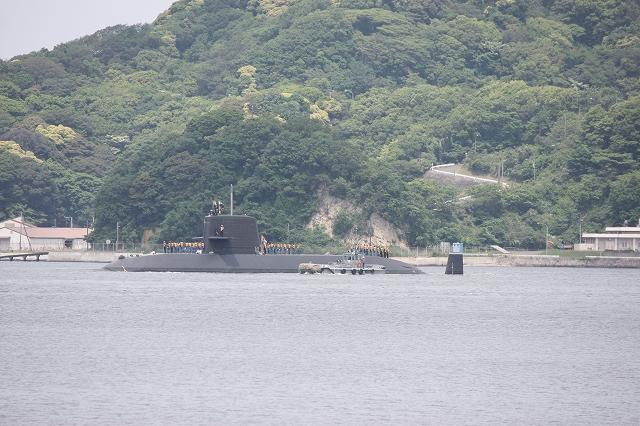 潜水艦の着桟まで_1