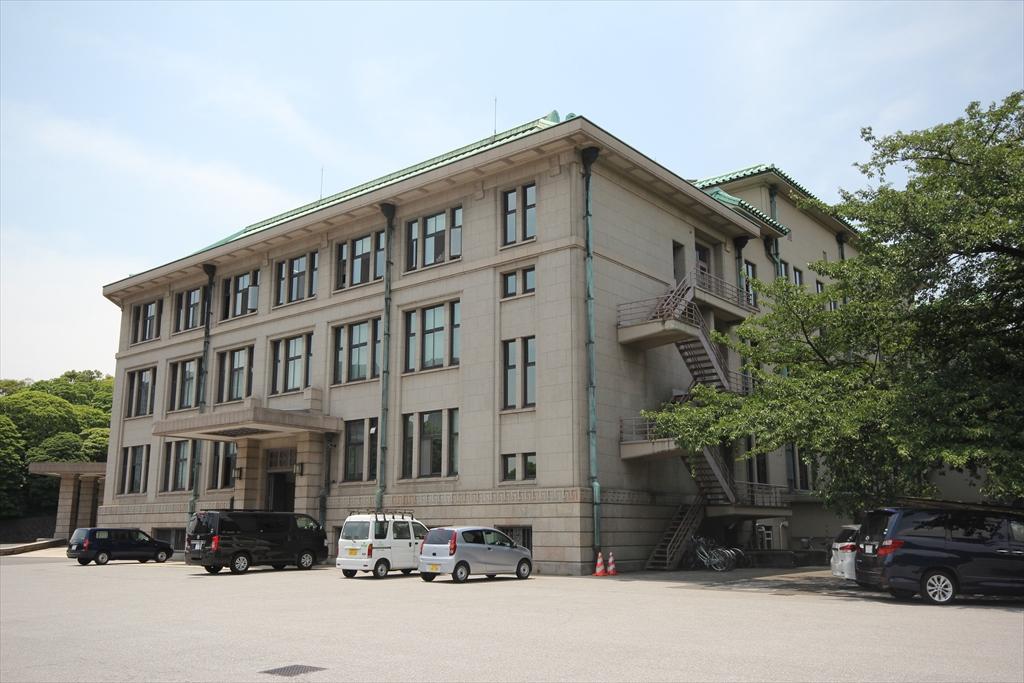 宮内庁庁舎_2