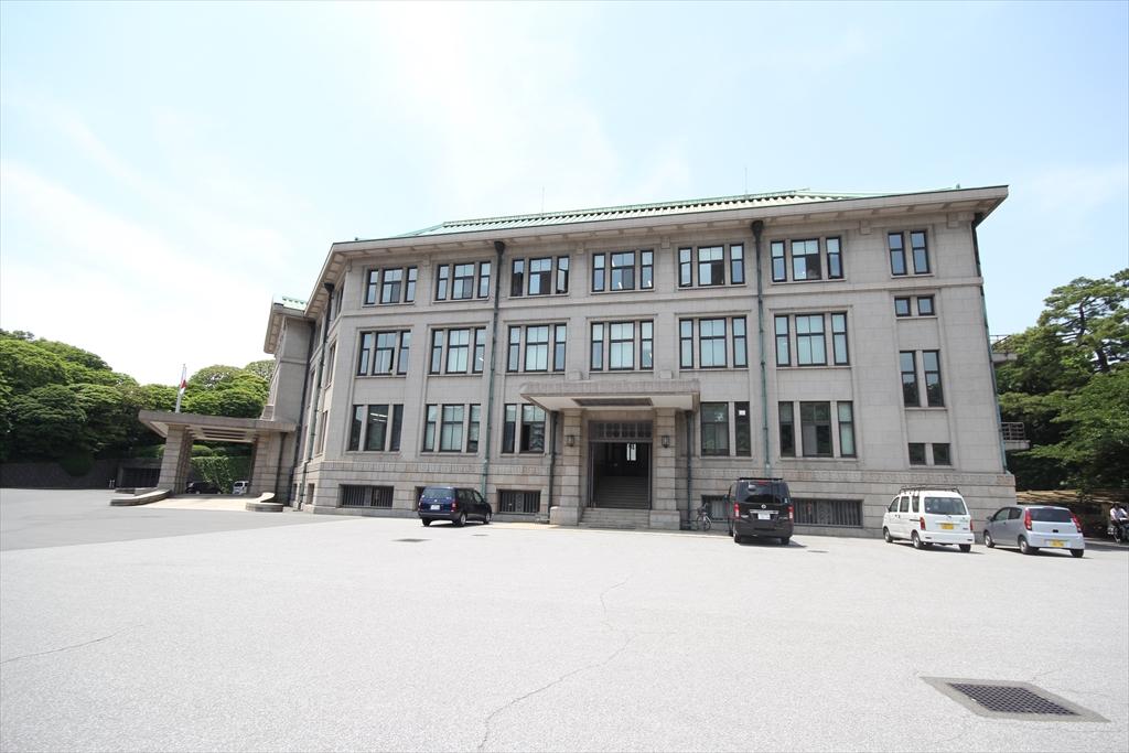 宮内庁庁舎_4