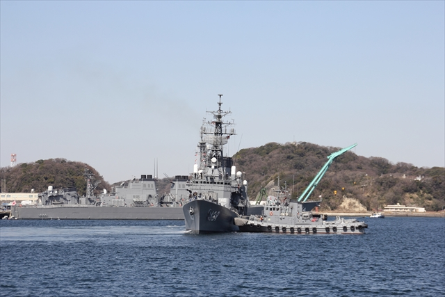 護衛艦やまゆきの出港の様子_5