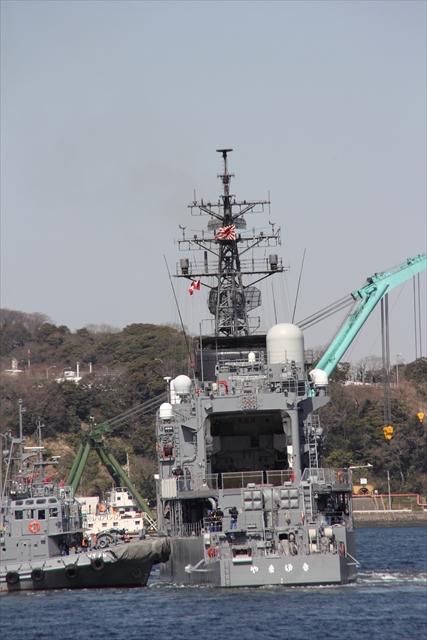 護衛艦やまゆきの出港の様子_16