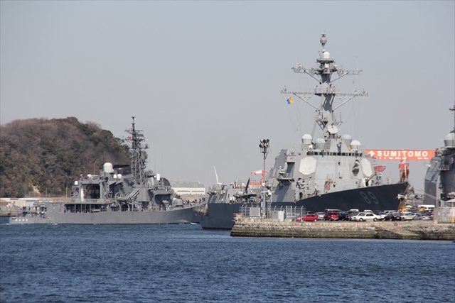 護衛艦やまゆきの出港の様子_25