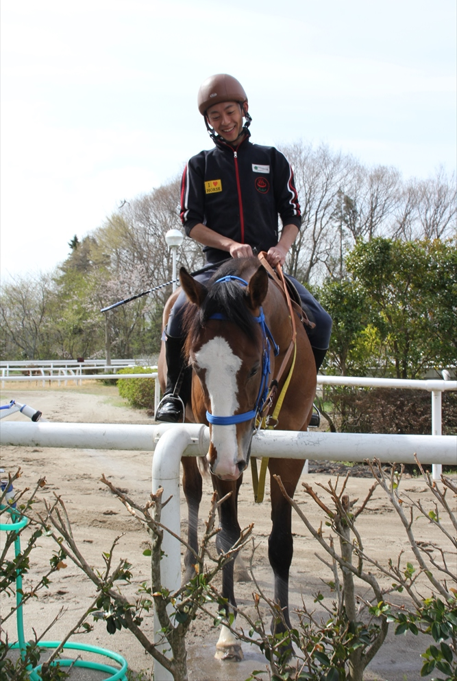 馬場でのトレーニング光景_6