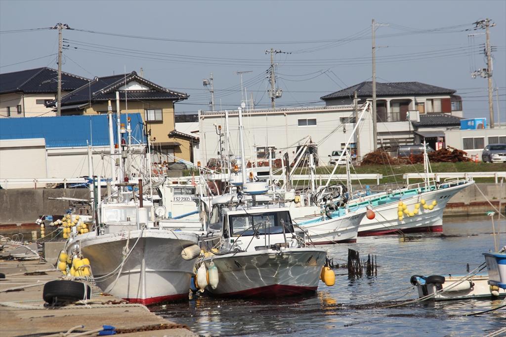 普通の小型漁船や釣り船らしきもの_2