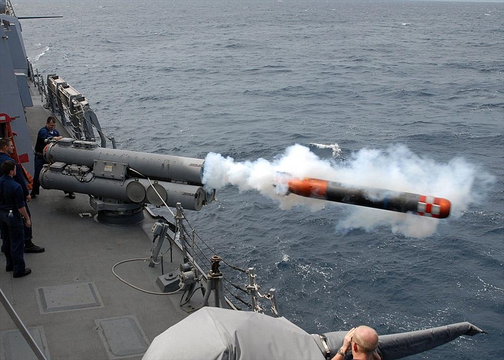 Mk 32 短魚雷発射管使用訓練_2