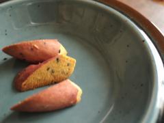 お皿とお芋のクッキー