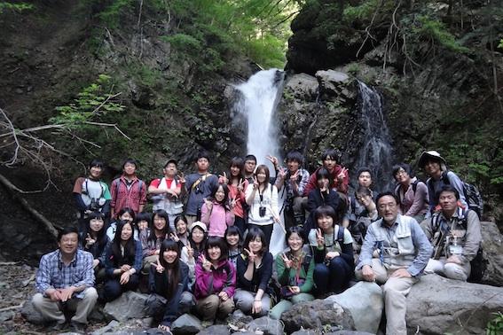 12.5.12滝で記念撮影-20