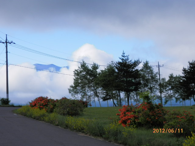 バラギ高原 (サッカー場よりの浅間山)