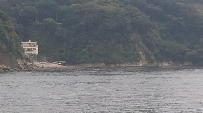 東プロムナードからのぞむ江ノ島西浦