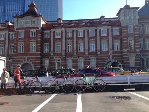 05クロモリと東京駅