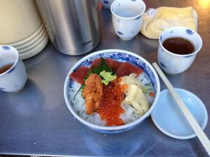12マイ海鮮丼