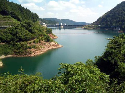 宮が瀬湖1