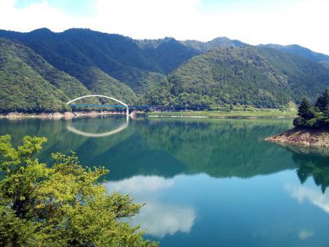 宮が瀬湖2