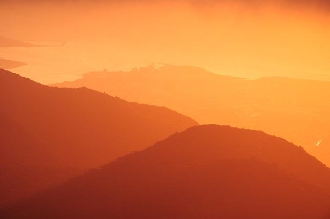 夕霧色の染まる山(2)