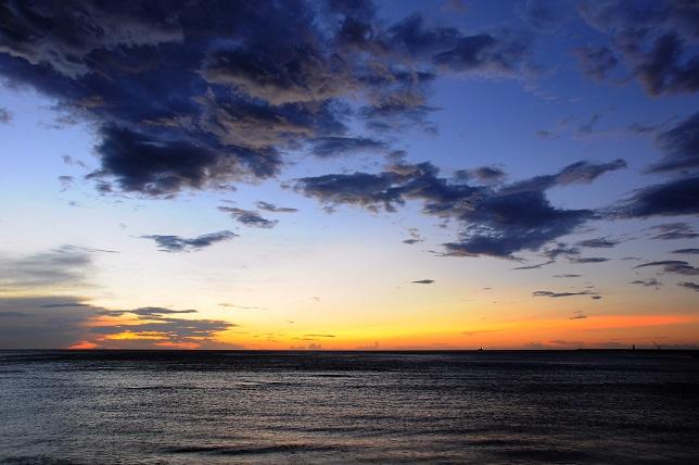 夕闇迫る海岸線(2)